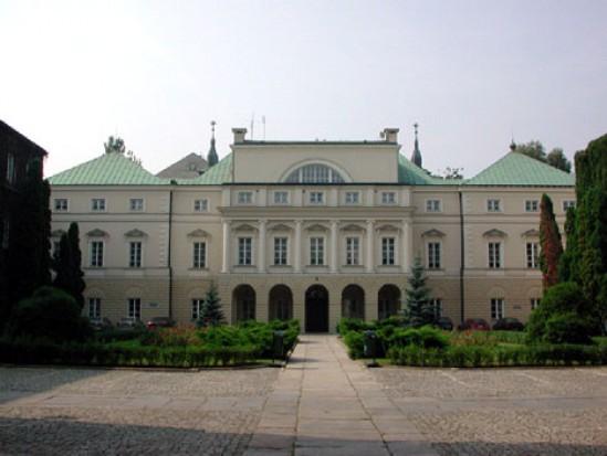 Ministerstwa Zdrowia oszczędza (źródło: Wikipedia)