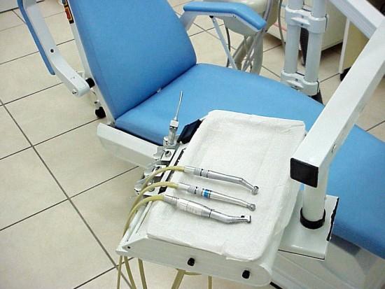Dentysta z zakazem konkurencji (foto: sxc.hu)