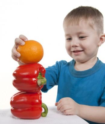 Próchnica dzieci vs. owoce w szkole (źródło: pixmac.pl)