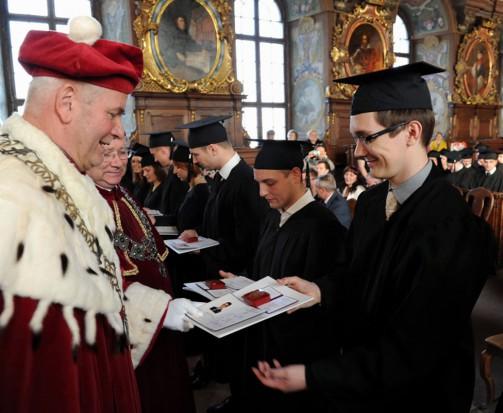 Wrocław zyskał 83 nowych stomatologów (źródło: UM Wrocław/Adam Zadrzywilski)