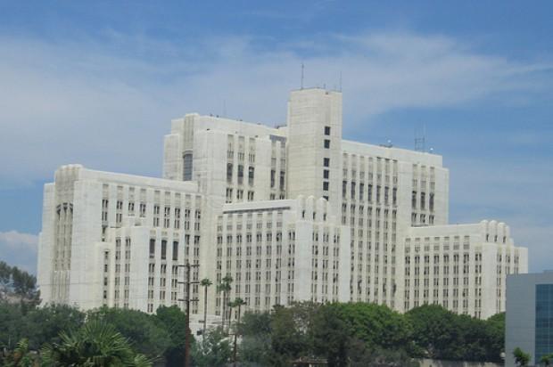 Przyszły dentysta studiuje za niemałe pieniądze USC Medical Center