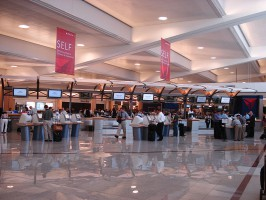 Co unieruchomiło wielki port lotniczy?