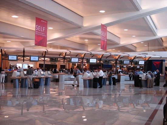 Hartsfield - Jackson: Co unieruchomiło wielki port lotniczy? (źródło: Wikipedia)