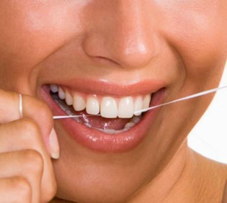 Nitkowanie zębów bez sensu?