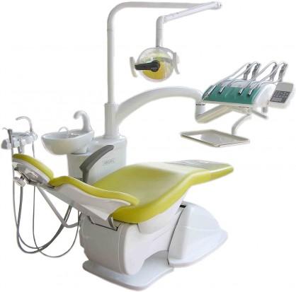 Montujemy (z głową) unit stomatologiczny (fot. Dentomax)