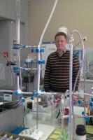 Polak pracuje nad nanomateriałami uwalniającymi fluor
