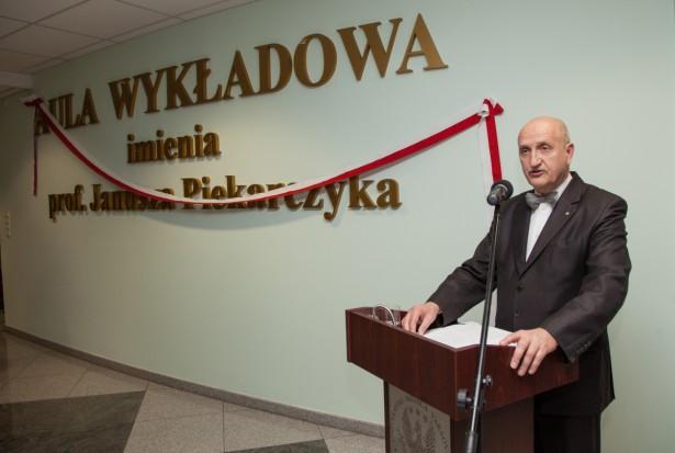 WUM uczcił pamięć prof. Janusza Piekarczyka
