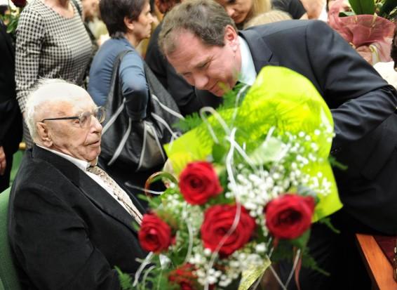 Prof. Stanisław Potoczek skończył 90 lat (źródło UM Wrocław)