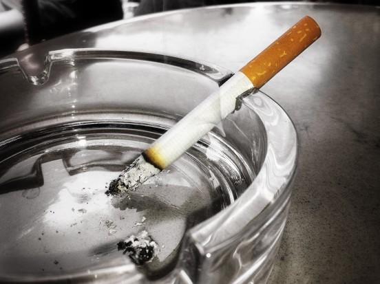 Dziś Światowy Dzień bez Papierosa - jak dentyści walczą z problemem tytoniowym (fot. sxc.hu)