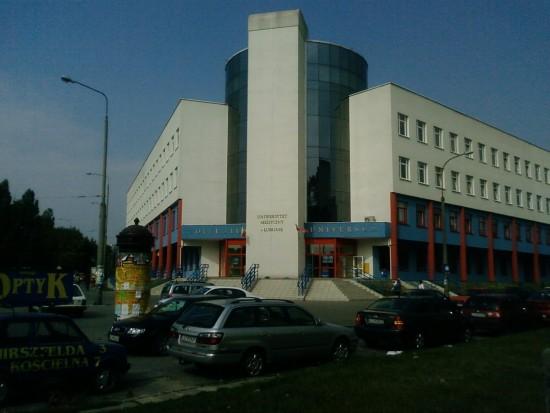 Uniwersytet Medyczny w Lublinie oczekuje na materiały stomatologiczne (źródło: Wikipedia)