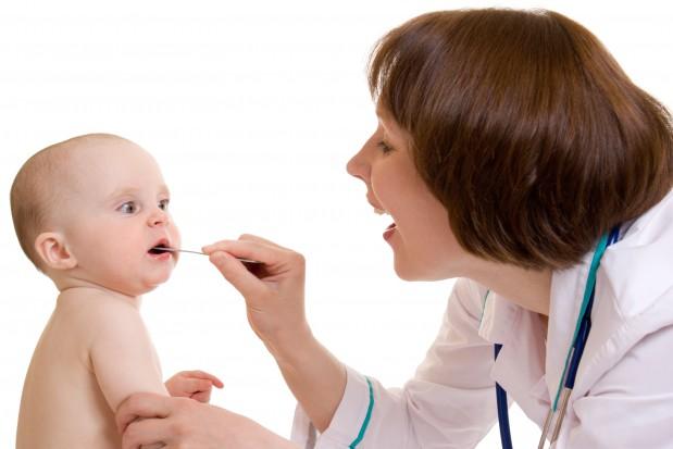 Szczoteczka dla niemowląt od Brush-Baby (fot. Fotolia)