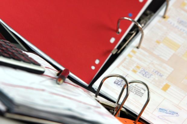 Karta podatkowa także gdy zatrudnisz pomoc fachową (foto: sxc.hu)