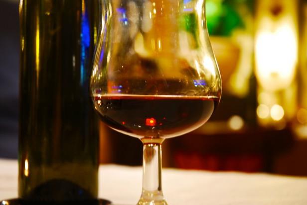 Lekarz alkoholik bez PWZ