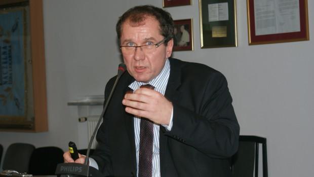 Prof. Tomasz Konopka: lekarz dentysta w walce z rakiem jamy ustnej nie może popełniać błędów