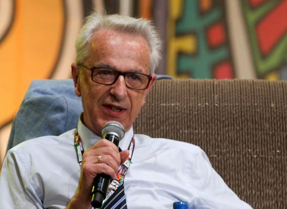 Prof. Zbigniew Lew-Starowicz przeczyta broszurę Rzecznika Praw Dziecka