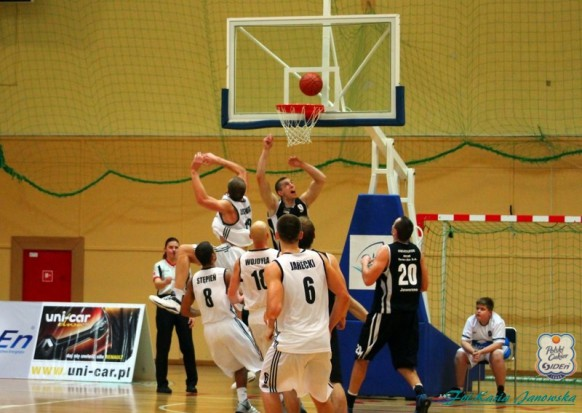 DENmed sponsorem drużyny koszykarskiej