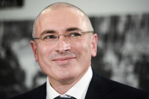 Jak dentysta uratował w więzieniu zranioną twarz Chodorkowskiemu