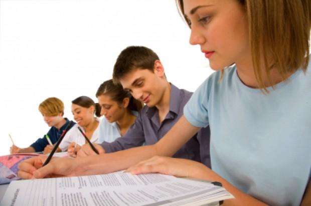 Kształcenie przed- i podyplomowe w stomatologii - nikła szansa na zmiany