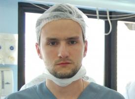 Maciej Michalak (BAD): dla młodych lekarzy praktyka jest ważniejsza od pieniędzy