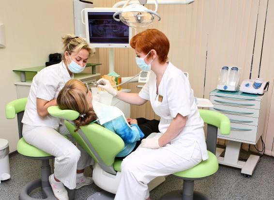 Dentysta w szkole może korzystać z danych osobowych uczniów