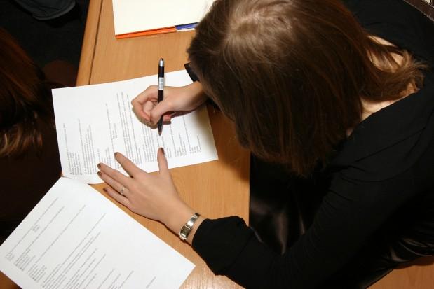 PES: 28 proc. zdających nie przebrnęło egzaminu z protetyki