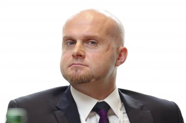 Krzysztof Łanda (Watch Health Care): politycy nie mogą zrzucać odpowiedzialności za zdrowie jamy ustnej na obywateli