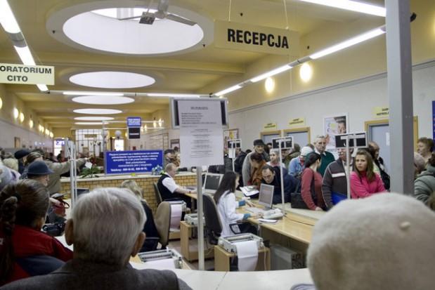 Stomatolog długo oczekiwany: kolejki według barometru Watch Health Care
