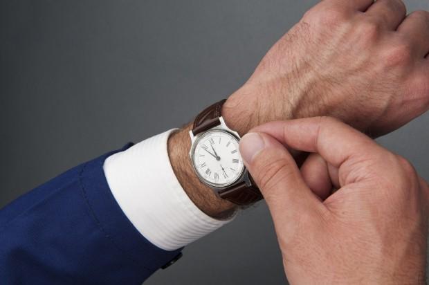 Konflikt godzin pracy personelu - czy ma to wpływ na ocenę oferty przez NFZ?