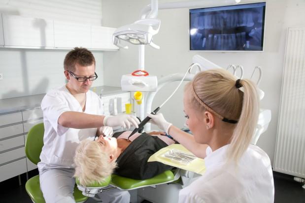 W Dentim Clinic Dzień Matki już trwa