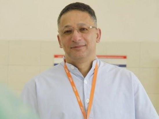 Prof. Mansur Rahnama konsultantem krajowym z zakresu chirurgii stomatologicznej