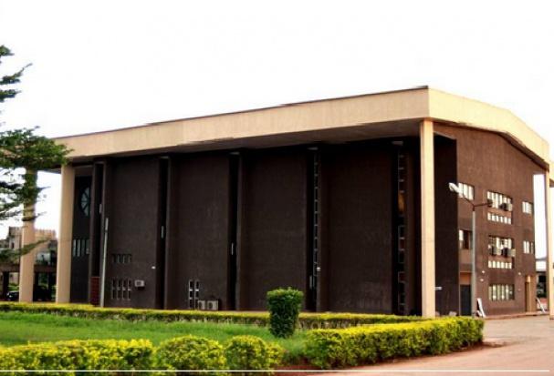 W Nigerii dentofobię zwalczają elektrowstrząsami