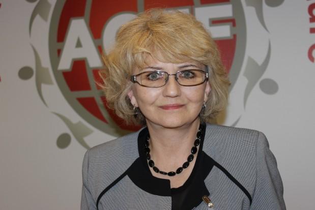 Urszula Kaczmarek (EEC ACFF): walka z próchnicą, programy dobre, rezultaty gorsze