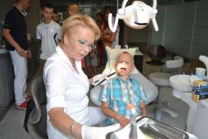 Dr Elżbieta Sujka: zęby mieszkańców Domu Dziecka w Szymonowie są w bardzo dobrym stanie