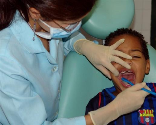 Dziecko u dentysty - co ze zwolnieniem z lekcji?