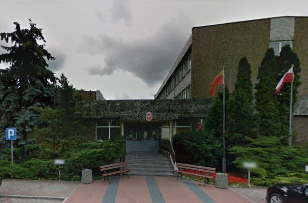 W Lesznie trwa nierówna walka o dentystę w szkole