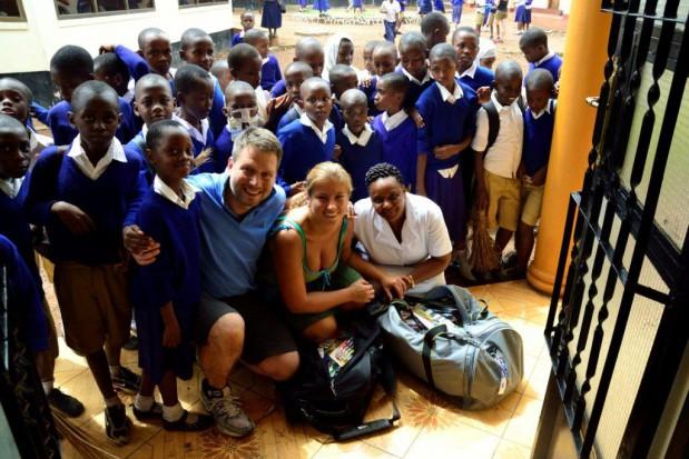 Stankowscy uczyli o zębach w Afryce