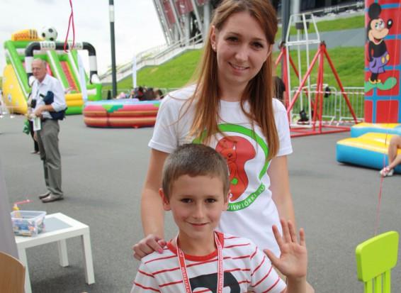 Fundacja Wiewiórki Julii zbada zęby dzieci na Stadionie Narodowym
