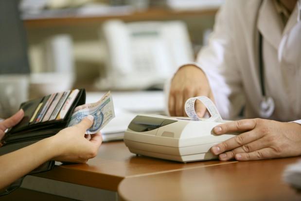 Kasa fiskalna u dentysty – kiedy zbędna?