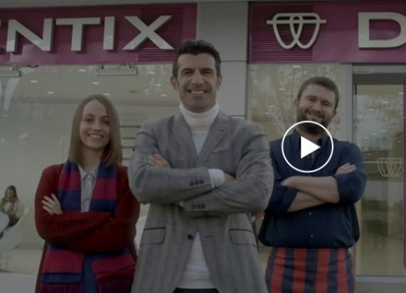 Legendy Barcelony i Realu promują klinikę dentystyczną