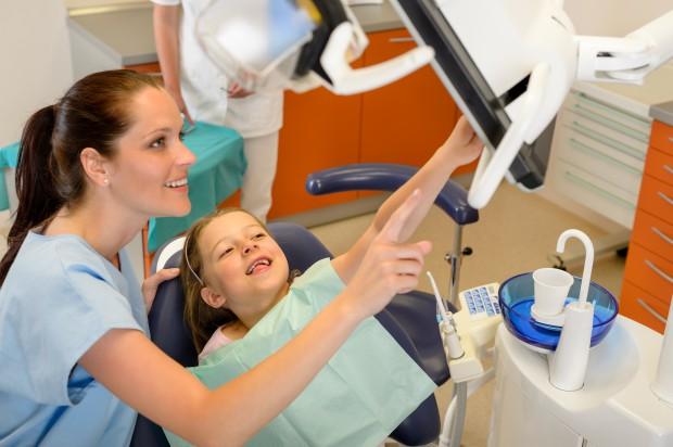 Ponad tysiąc szkolnych gabinetów stomatologicznych?