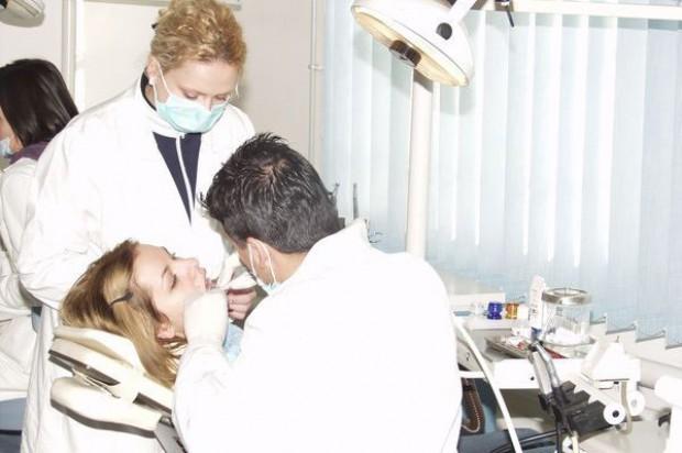 Sprawdzą czy sprawdza się szkoła ze stomatologiem