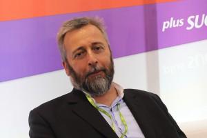 Marcin Aluchna: żadne praktyki nie zastąpią porządnego oczyszczania zębów pastą, płukankami i nićmi