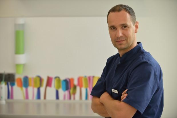 Tomasz Śmigiel: niemożliwym jest ustalenie ile dyplomów musi mieć lekarz, aby dobrze implantować