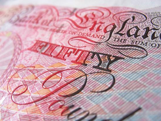 Dentysta w Wielkiej Brytanii zarabia pięć razy więcej niż premier