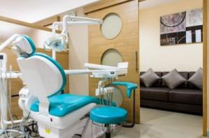 Co z kosztami, gdy właścicielem gabinetu dentystycznego jest współmałżonek?
