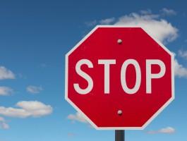 CED ostrzega: borany w wybielaniu zębów bezwzględnie zakazane