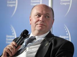 Poseł Piotr Chmielowski: zmuśmy rodziców do kontrolowania uzębienia swoich dzieci
