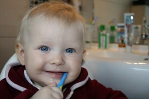 13 rad jak zaciekawić dziecko myciem zębów