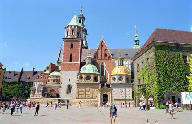 Kraków: w szkołach działa tylko 20 gabinetów stomatologicznych