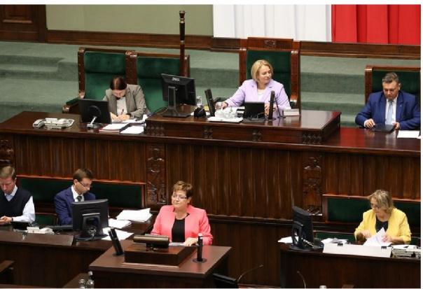 Poseł Maks Kraczkowski pyta ministra zdrowia o kondycję zębów dzieci i młodzieży